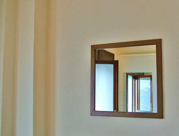 mirrored-glass-supplier-in-newport